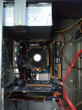 Vendo o cambio Torre de computador con tarjeta de video gt1030 2gb