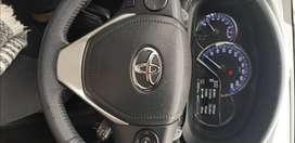 Vendo Toyota Yaris SLX,AT, asientos de cuero. Impecable.