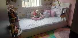 Vendo cama niña