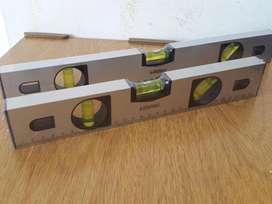 Nivel Mano Aluminio Burbuja Precisión Liviano Regla marca NEON 30cm