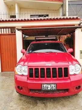 Jeep grand cheroke Laredo 2010 glp