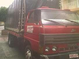 Mazda Turbo , Rojo clasico , Cilindraje 4500 , Estacas , 5 Meses de Reparada , Seguro y Tecnomecanica  vigente