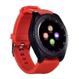 Reloj inteligente rojo y negro