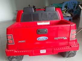 Camioneta Ford 150 para niño
