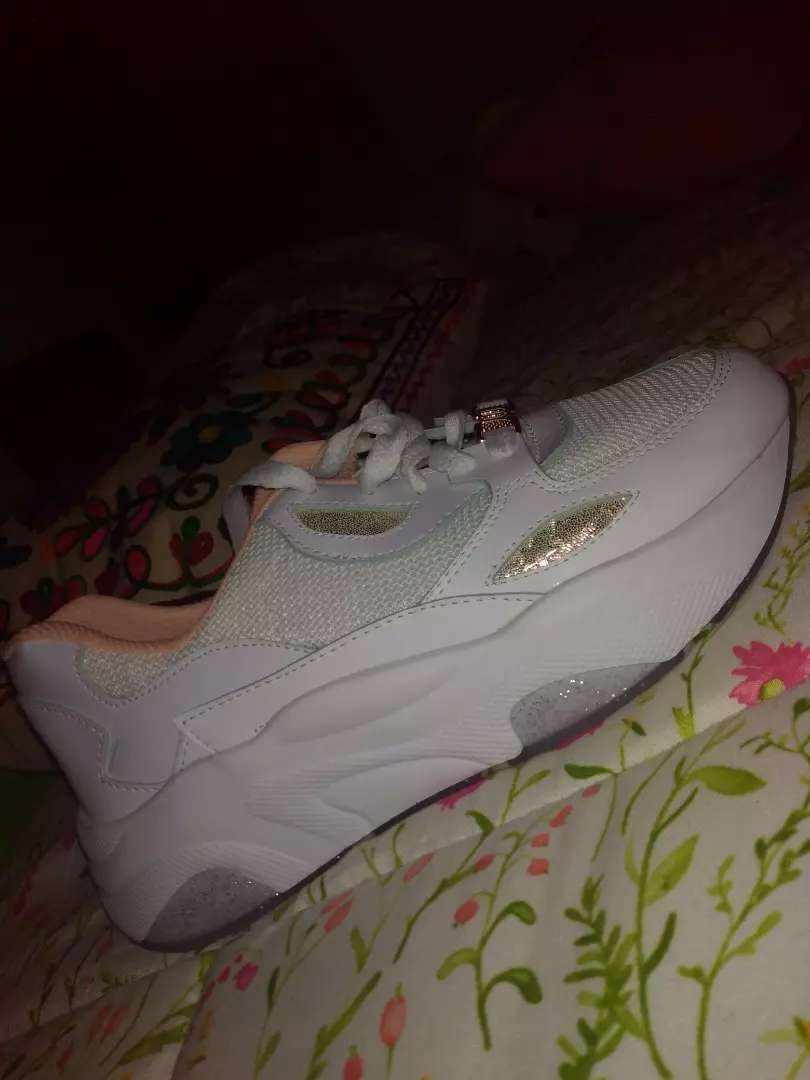 Zapatos Blancos altos 0