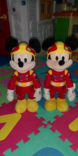 Mickey mouse sobre ruedas