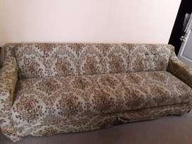 Sofá cama impecable