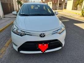 Toyota yaris con poco kilómetraje