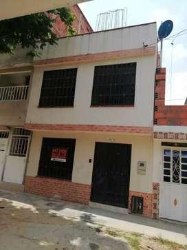 Se venda casa en Girón, barrio Puerto Madero
