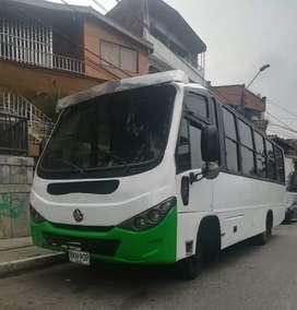 Buseta urbana chevrolet NPR modelo 2006 de 32 pasajeros