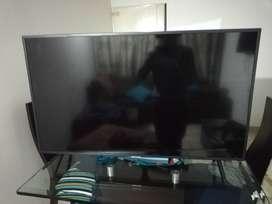 "Televisor Samsung Samsung 43"" 4k para repuestos"