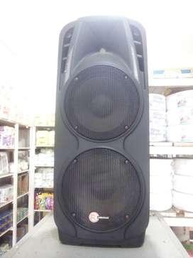 Super oferta parlante Radioshak con dos bajos y amplificador, Bluetooth