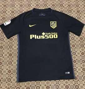 Camiseta at madrid negra 10 kun aguero M y L