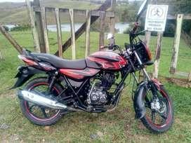 Vendo moto Discover 125 modelo 2015 tecno hasta febrero 2022;  Soat hasta 17 julio 2021 cuenta con rastreador satelital