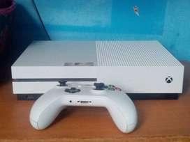 Xbox one s como nuevo poco uso.