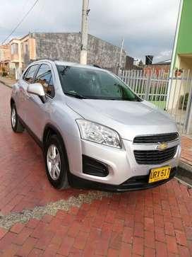 Vendo Chevrolet tracker 2015 plateada