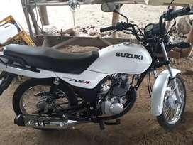Suzuki AX4 GD115 color Blanca como nueva