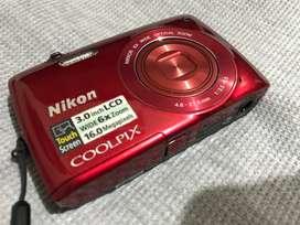 Camara digital NIKON coolpix s4200