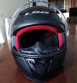 Vendo casco para moto.