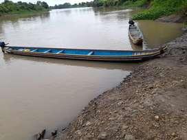 Se vende canoa tipo lancha con motor