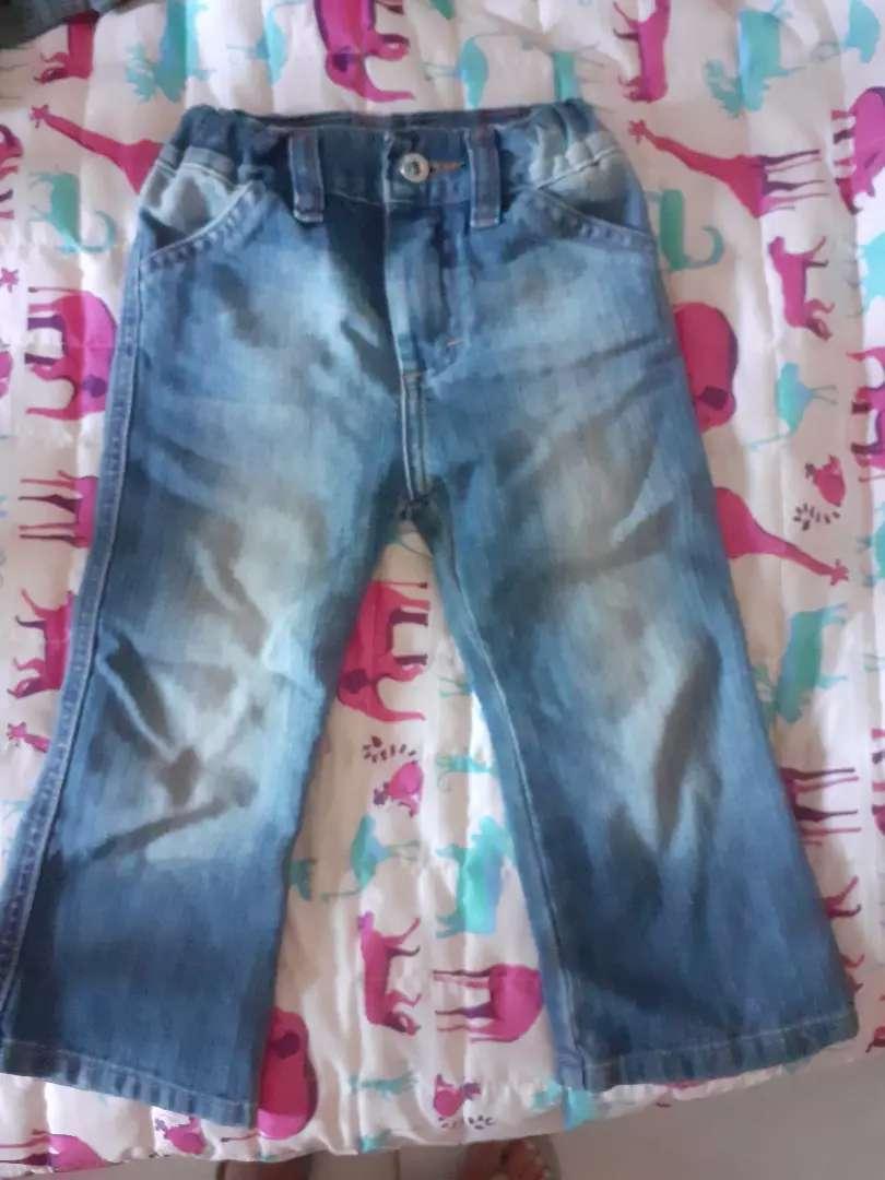 Jeans  de beba Paula Cahen D'Anvers
