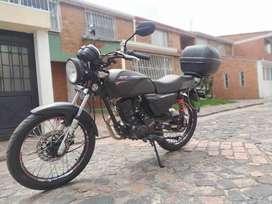 Vendo moto AKT NKD 125, Negro Mate, único dueño, como nueva.