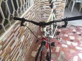 Vendo bicicleta de pista caballo en alumnio con repuestos shimano