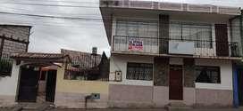 Se vende una casa central a pocos pasos de la Liga Cantonal