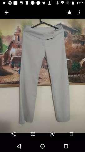 Pantalón de vestir elastizado talle 40-42