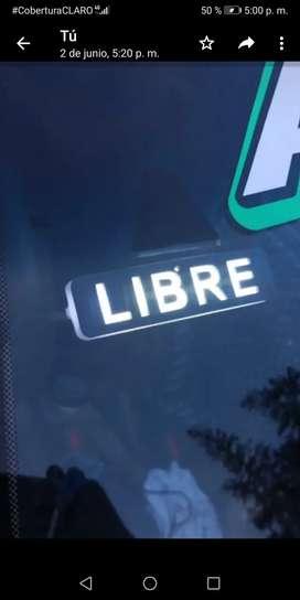 """Vendo letrero """"LIBRE"""" para taxi"""