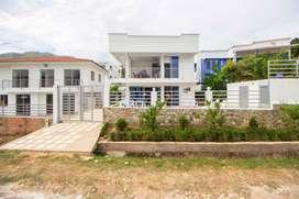Hermosa Casa campestre, dos pisos totalmente nueva dotada y amoblada