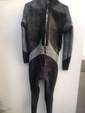 Wetsuit Oneil Fusion 4/3mm Talla L Regular
