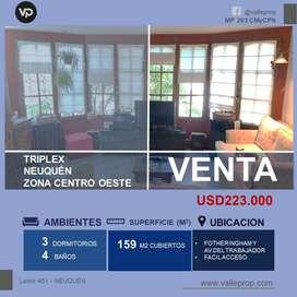 VENDE CASA TRIPLEX 3 DORMITORIOS- AREA CENTRO OESTE-NEUQUEN