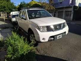 Nissan Frontier 4x4 caja 6ta