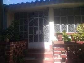 Vendo casa colonial a 3 cuadras de la plaza central