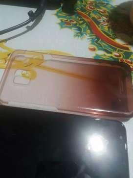 Es Samsung J6 con huella digital y de rostro