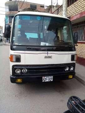Mini buss Mitsubishi 25 pasajeros en buen estado