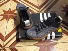 Zapatilla adidas original talla 36 unica talla