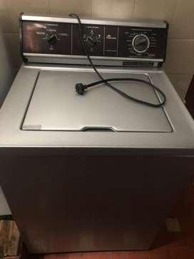 Se vende lavadora de 25 libras en perfecto estado