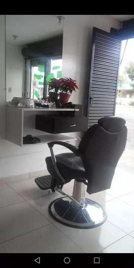 Peinadoras y sillas de peluquería