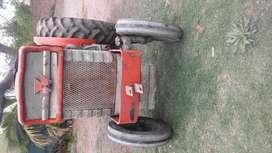 Se vende Tractor  Massey FERGUSON 150
