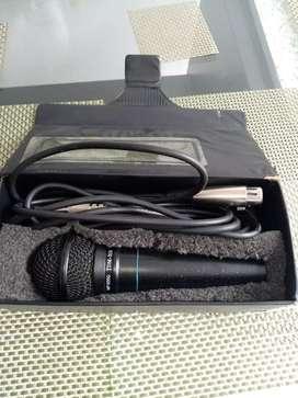 Se vende microfono  americano