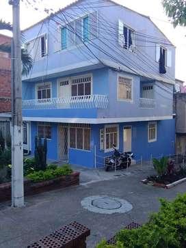 casa de 3 pisos vendo