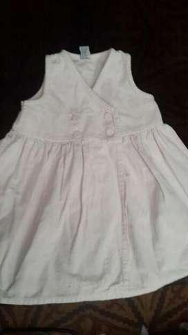 Vestido Beba de corderoy livianito. Marca Gimo's.