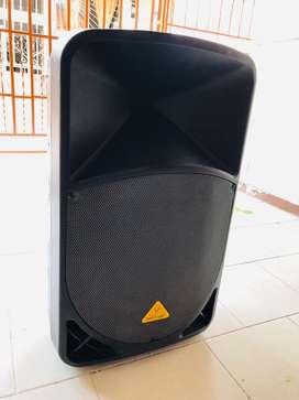 Cabina behringer b115 mp3