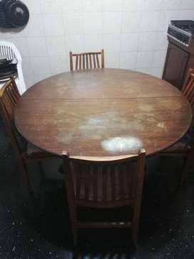 Mesa redonda con 6 sillas