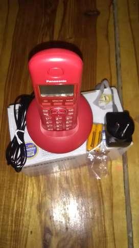 Teléfono fijo inalámbrico nuevo en caja con los accesorios