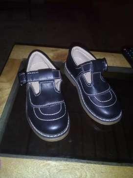 Zapato escolar nuevo talle 31