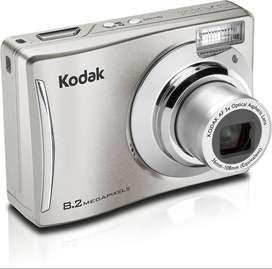 Cámara Digital Kodak Easyshare C140 + Memoria SD 2GB y Estuche | Como Nueva
