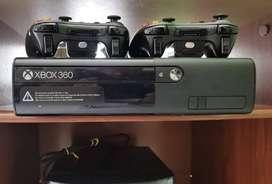 Vendo Xbox360 Slim Con kinect
